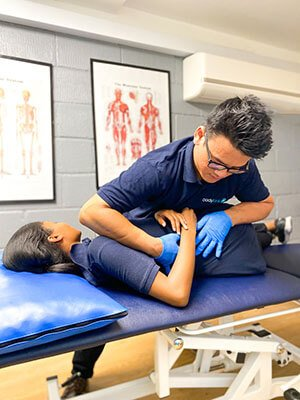 Sam Tan Osteopath treatment in London at bodytonic clinic
